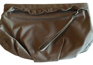 Gap Wristlet in Khaki