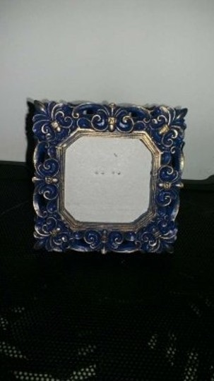 Preload https://img-static.tradesy.com/item/128435/blue-and-gold-placecard-reception-decoration-0-0-540-540.jpg