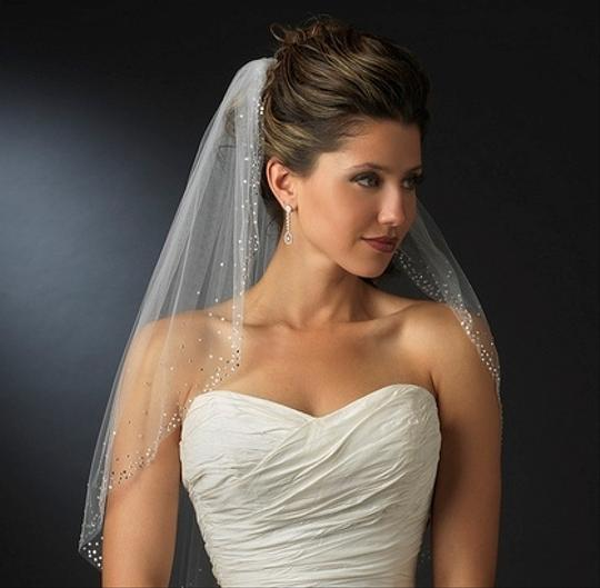 Preload https://item4.tradesy.com/images/elegance-by-carbonneau-rhinestone-accented-elbow-length-wedding-veil-1284433-0-0.jpg?width=440&height=440