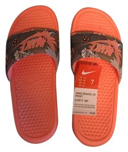 9a886aef9 Nike Comfortable Classic Casual Coral Sandals