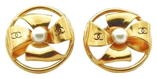 Chanel Chanel Goldtone Round Bow Tie Pearl Center Clip on Earrings