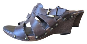 Sonoma Chocolate Wedge 7 7.5 M Leather Like Gladiator Strap Gold Hardware Non-slip Sole Brown Sandals