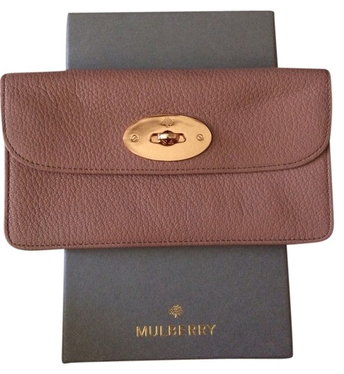 Preload https://item3.tradesy.com/images/mulberry-wallet-1284852-0-0.jpg?width=440&height=440
