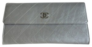 Chanel Chanel silver wallet / clutch