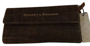 Dooney & Bourke Wristlet in Brown T Moro