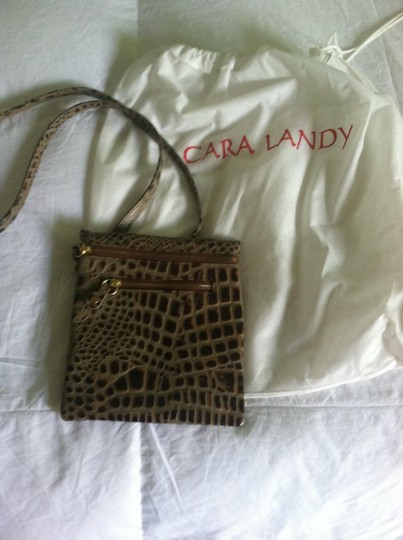 Cara landy Cross Body Bag