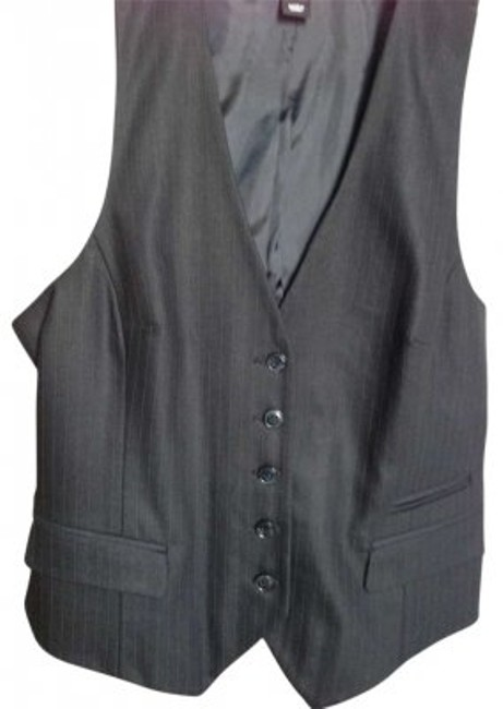 Preload https://item5.tradesy.com/images/h-and-m-black-vest-button-down-top-size-10-m-128579-0-0.jpg?width=400&height=650