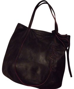 Henri Bendel Tote in Black