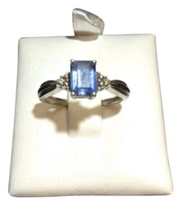 Other 10K YELLOW GOLD RING WITH BLUE STONE