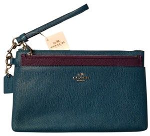 Coach Wristlet in Blue And Purple