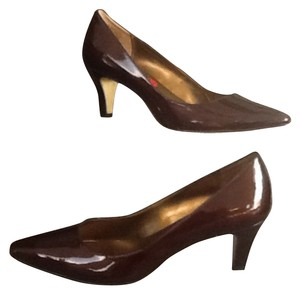 Anne Klein Pewter Pumps