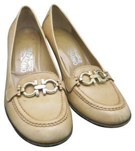 Salvatore Ferragamo Italy Logo Loafer Italian Leather tan Pumps