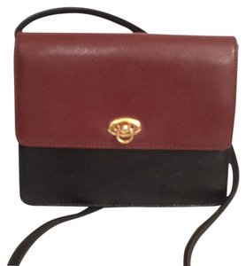 Medallion Leather Embossed Snake Vintage Cross Body Bag