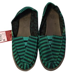 Sanuk Black/green Flats