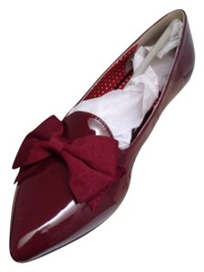 b.a.i.t. Bow Faux Patent Pointed Toe Mulberry/wine Flats