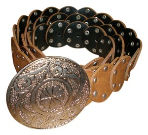 STUDDED BELT IN GREAT CAMEL COLOR
