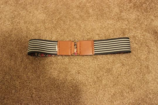 Urban Outfitters Medium Floral Belt
