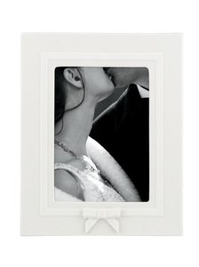 "Kate Spade White ""Grace Avenue"" 8 X 10 Inch Frame Decoration"