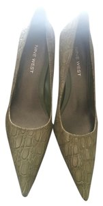 Nine West Upper Leather Hendler green Pumps