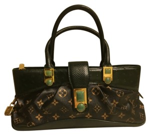 Louis Vuitton Satchel in Black/Green