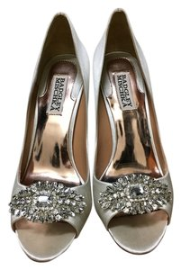 Badgley Mischka Satin, Ivory Pumps