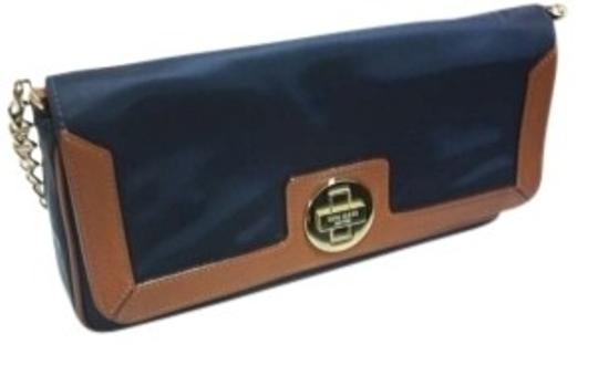 Preload https://img-static.tradesy.com/item/128869/kate-spade-clutch-navy-leather-nylon-shoulder-bag-0-0-540-540.jpg