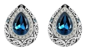New 14K White Gold Filled Crystal Stud Earrings Blue Silver J2190