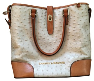 Dooney & Bourke Tote in White And Tan