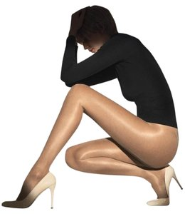 Wolford WOLFORD NWT INVISIBLE 12 CONTROL PANTYHOSE SAND SANDAL TOE M 18935