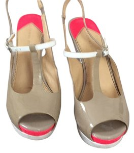Gianni Bini White pink and neutral Wedges