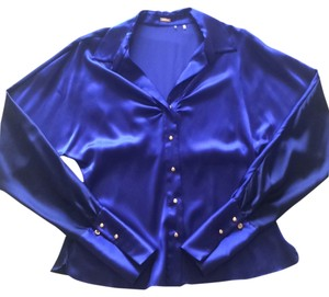 Elie Tahari Top Royal blue front, navy blue on the back.