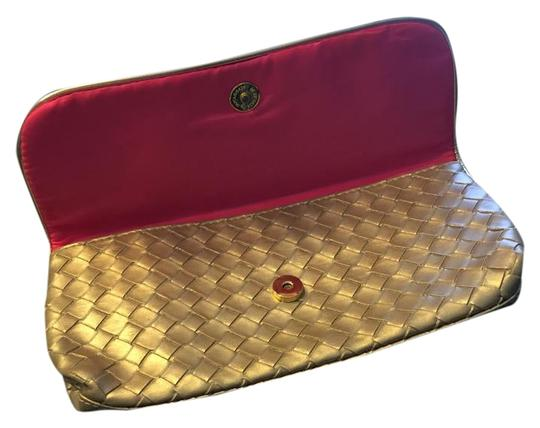 Preload https://item1.tradesy.com/images/estee-lauder-goldhot-pink-nwot-perfect-in-size-cosmetic-bag-12903430-0-4.jpg?width=440&height=440