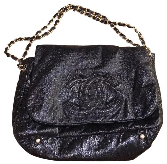 Preload https://item3.tradesy.com/images/chanel-classic-flap-and-chain-black-vinyl-tote-12904597-0-1.jpg?width=440&height=440