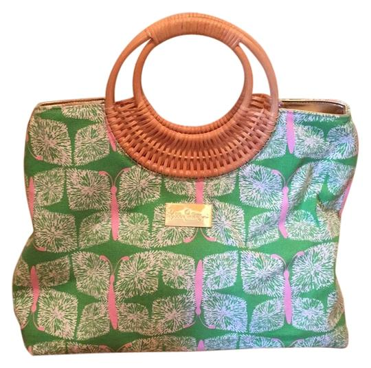 Preload https://item4.tradesy.com/images/lilly-pulitzer-greenpink-canvas-satchel-12906523-0-1.jpg?width=440&height=440