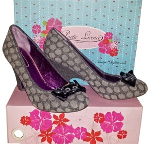 Poetic License Whimsical Rare Vintage Grey Polka Dot Pumps