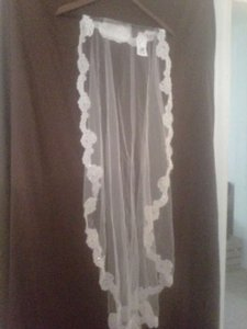 Oleg Cassini Ivory Long Elbow Length Mantilla Bridal Veil