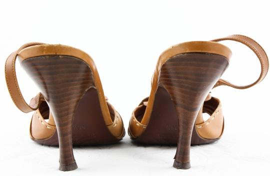 Céline Brown Pumps