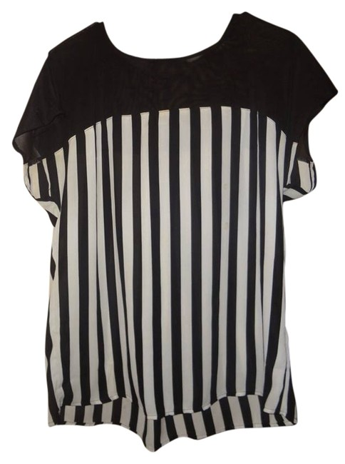 Preload https://item1.tradesy.com/images/forever-21-black-and-white-blouse-size-8-m-12913270-0-1.jpg?width=400&height=650