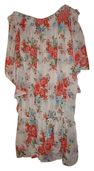 Preload https://item2.tradesy.com/images/whit-floral-blouse-size-8-m-12913591-0-1.jpg?width=400&height=650