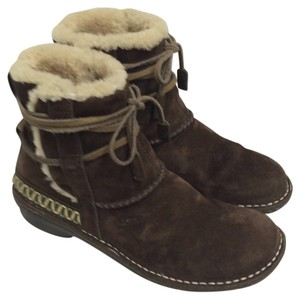 UGG Australia Brown Suede Exterior & Shearling Interior Boots