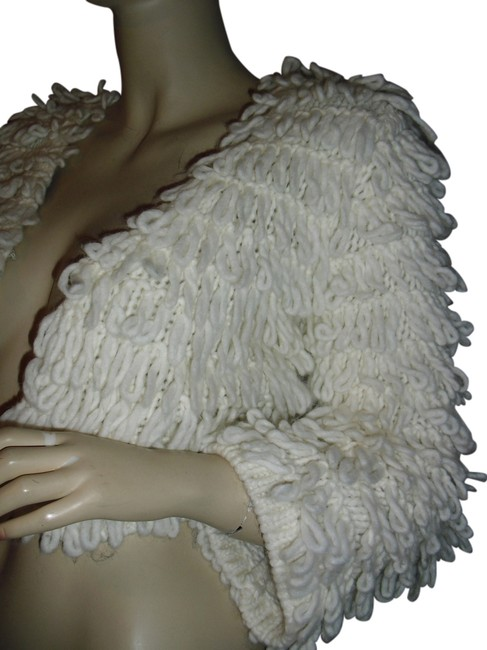 Preload https://img-static.tradesy.com/item/12914794/off-white-crochet-loop-beige-alpaca-bolero-spring-jacket-size-2-xs-0-1-650-650.jpg