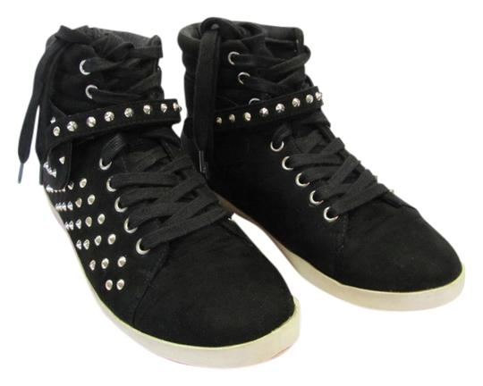 Preload https://item1.tradesy.com/images/forever-21-black-m-usa-very-good-condition-sneakers-size-us-7-12915460-0-1.jpg?width=440&height=440
