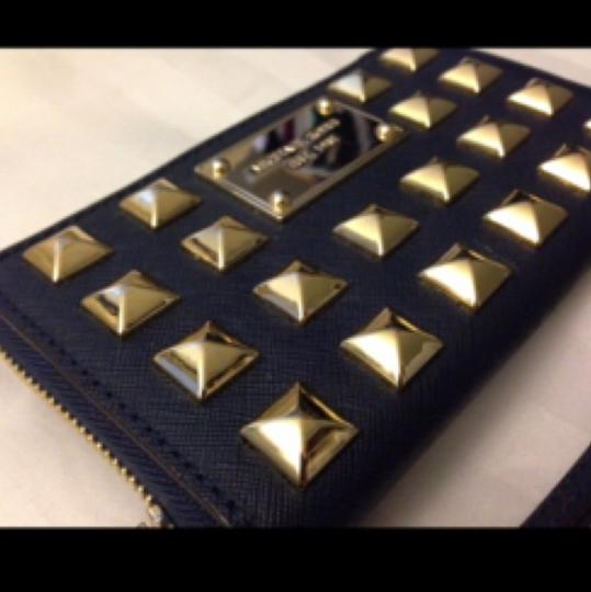 MICHAEL Michael Kors Wristlet in Navy blue And Gold