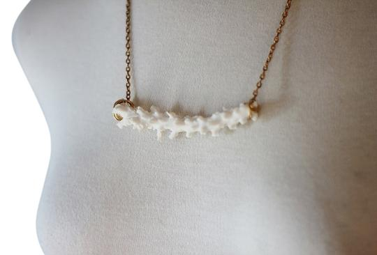 Preload https://item5.tradesy.com/images/white-boho-coral-necklace-12917149-0-1.jpg?width=440&height=440
