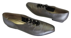 California Magdesians Leather Size 9.50 Narrow (Usa) Very Good Condition Shiny Gray Flats