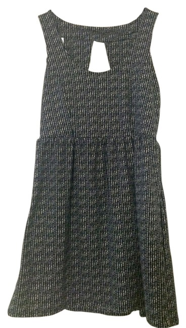 Preload https://item4.tradesy.com/images/silence-noise-blackwhite-short-casual-dress-size-8-m-1291833-0-0.jpg?width=400&height=650