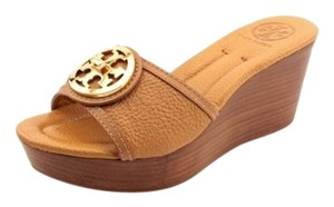 Tory Burch Selma Wedge Sandals Logo Pebbled Leather Tan Platforms