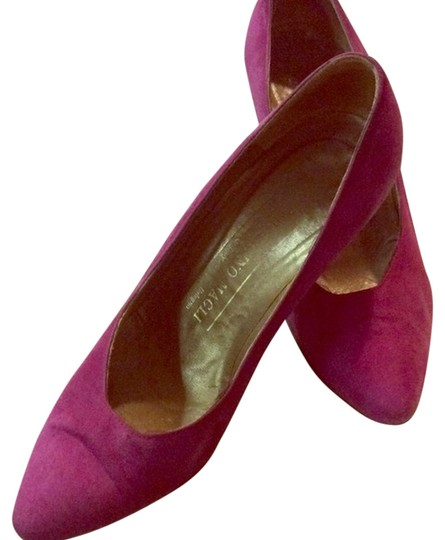 Bruno Magli Made In Italy Suede dark pink Pumps