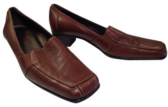 Preload https://item3.tradesy.com/images/sesto-meucci-fawn-brown-classic-italian-made-pebbled-leather-pumps-flats-size-us-6-regular-m-b-12922342-0-1.jpg?width=440&height=440