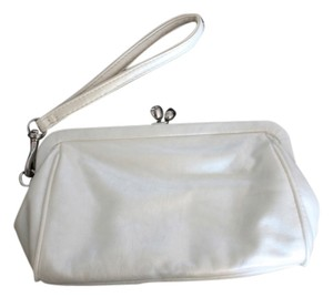 White House | Black Market Creamy Wristlet White Clutch